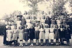 Deurle-groepsfoto zusterschool_FcD004