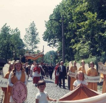 processie2 juki 69